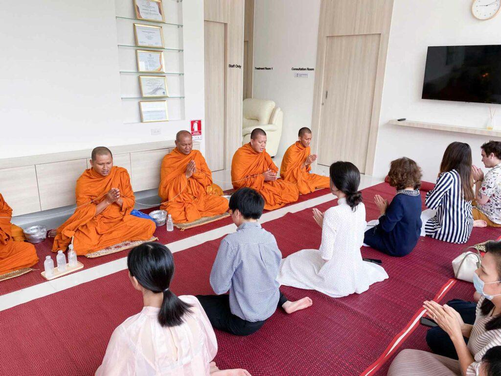 peace clinic pattaya